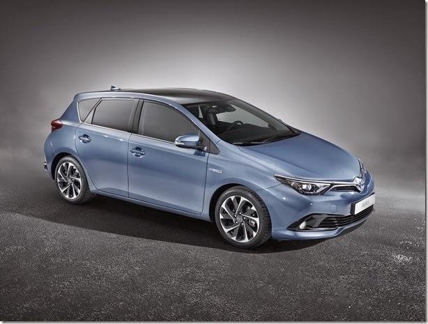 Toyota Auris passa por facelift