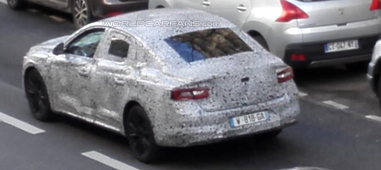 Renault divulga teaser de novo sedã médio