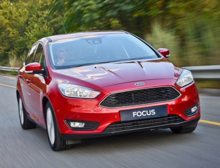 ford_focus_sedan_33