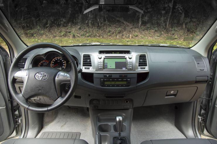 Toyota Hilux SRV Flex (22)