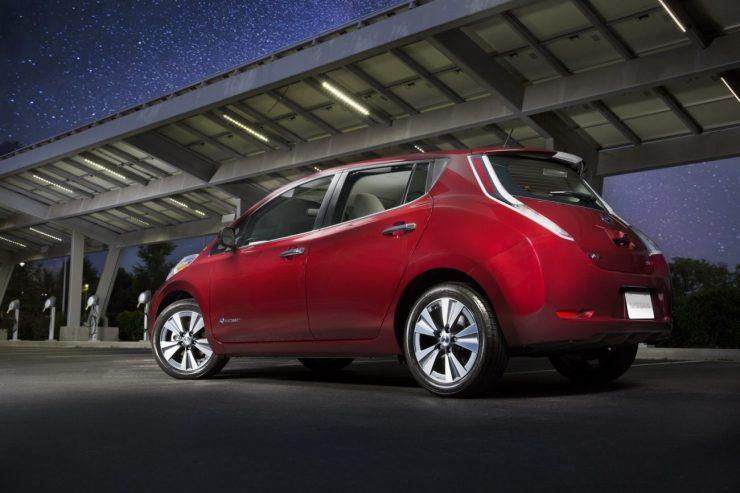 2016-Nissan-Leaf-13