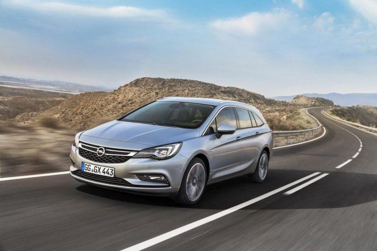 Opel Astra Sports Tourer (1)