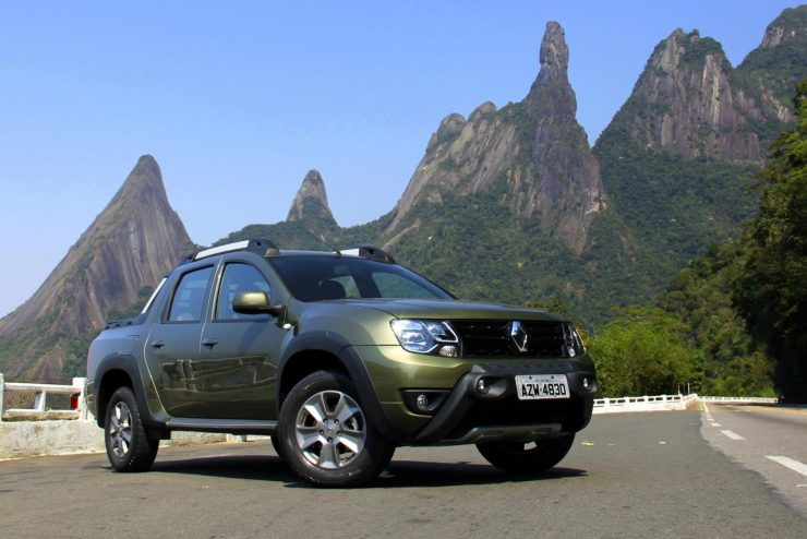 Renault Duster Oroch Dynamique 2.0 (2)