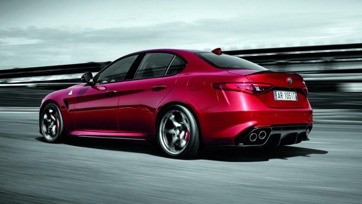 Alfa-Romeo-Giulia-QV-2