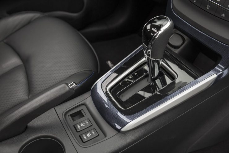 2016-Nissan-Sentra-2017 (12)