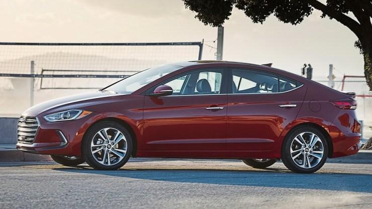 2017-Hyundai-Elantra-USA10