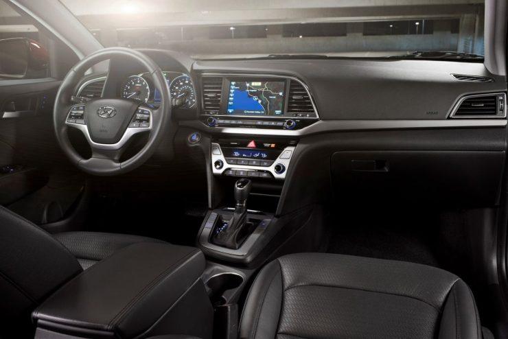2017-Hyundai-Elantra-USA38
