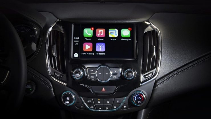 2016-Chevrolet-Cruze-Apple-CarPlay-002