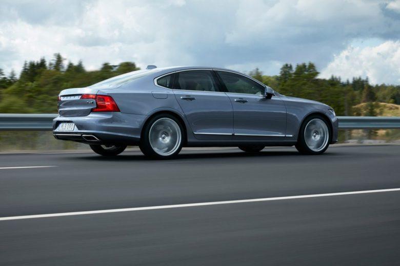 Volvo apresenta o novo S90