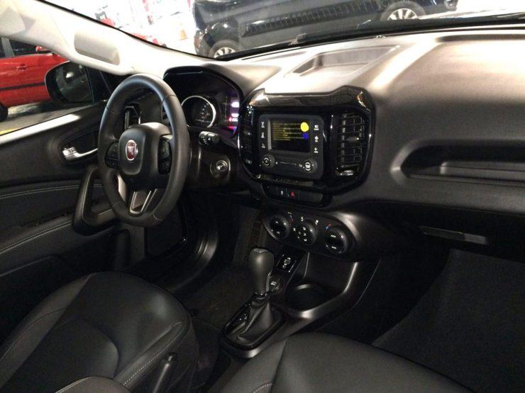 Fiat Toro Freedom 1.8 AT6 (6)