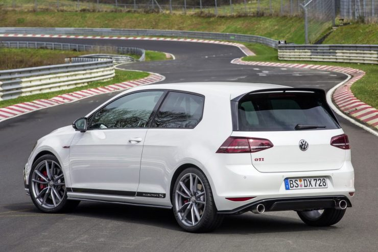 2016-VW-GOLFGTI-ClubsportS-16