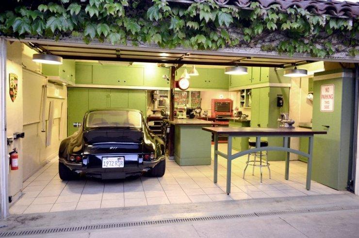 garage2012littlered