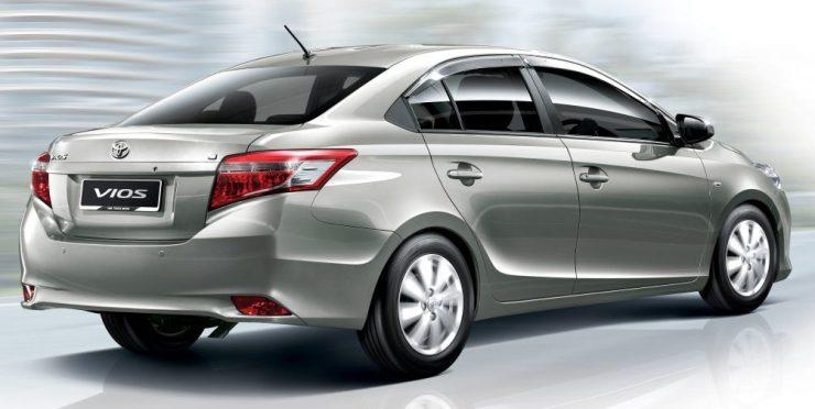 Toyota terá novo sedã compacto em 2017 para concorrer com ...