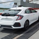Flagra – Honda Civic Hatch 2017 aparece sem disfarces
