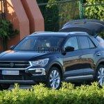 Volkswagen T-Roc de produção é flagrado na Europa