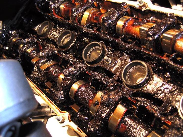 ..e o cabeçote carbonizado de um motor BMW M52!