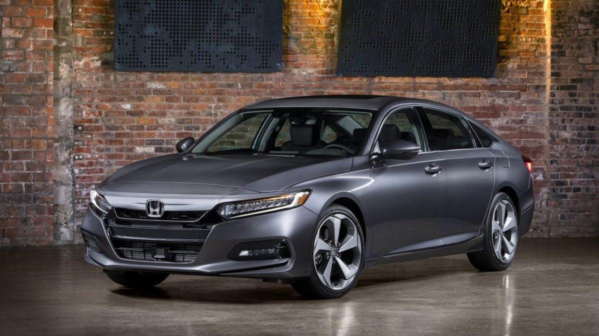 Novo Honda Accord é lançado com motores quatro cilindros e plataforma do Civic