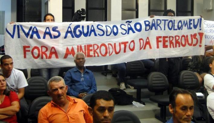 Manifestação na Câmara de Viçosa.