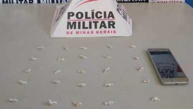 Photo of Homem é preso com 25 pedras de crack em Ponte Nova