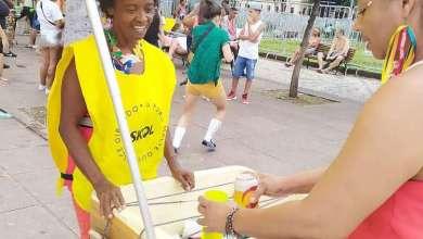 Photo of Catadoras e ambulantes utilizam Carnaval para garantir sustento da família
