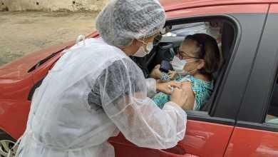 Photo of Mais de mil idosos receberam vacina contra gripe 'dentro de carros' nesta segunda-feira em Viçosa