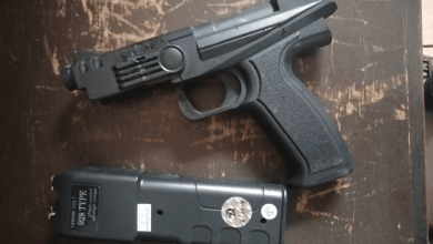 Foto de PM prende homem por ameaça e com arma em Ubá