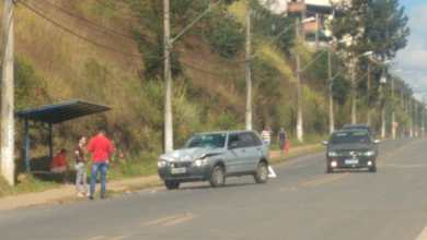 Photo of Carro e moto colidem no Silvestre