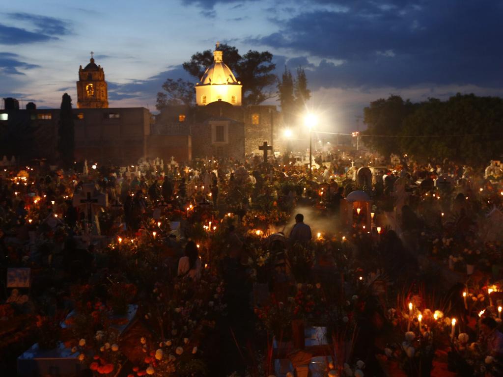 Ofrendas de día de muertos es Mixquic, fotografía de Edgard Garrido