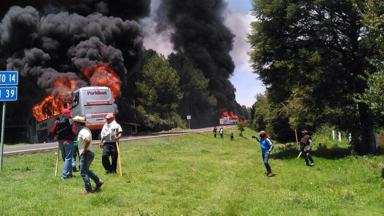 autobuses-incendio-normalistas