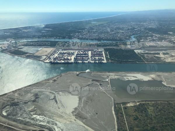 vista aerea puerto lazaro cardenas