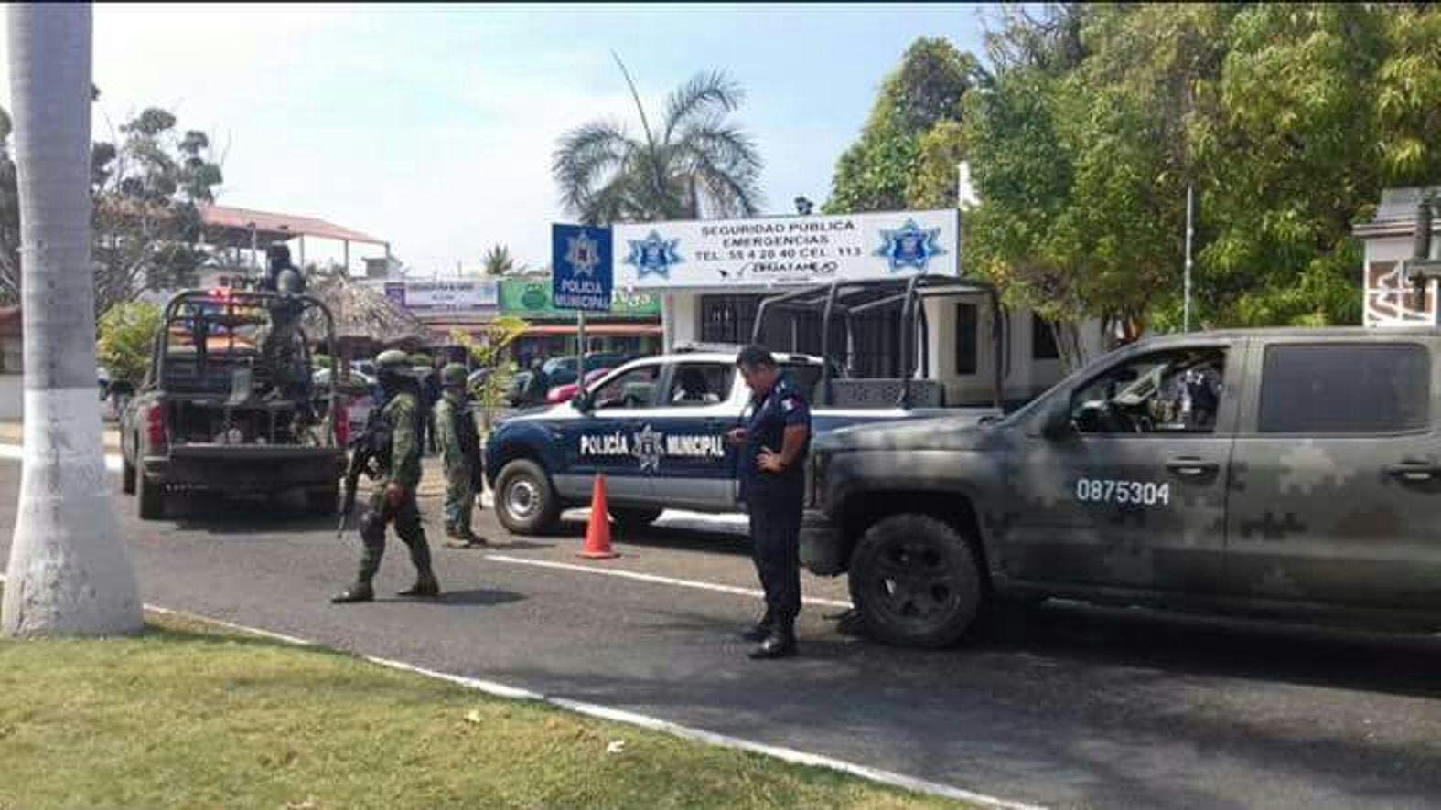 Atacan módulo de policía en Zihuatanejo; hay 3 muertos