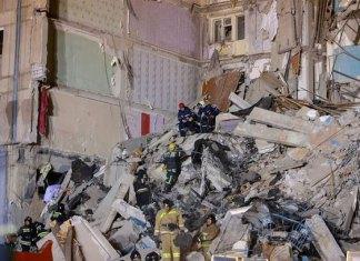 Sube a 21 los muertos en edificio de Rusia por explosión de gas