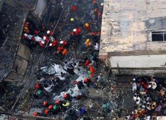 Incendio en Bangladesh deja 81 muertos y 50 heridos