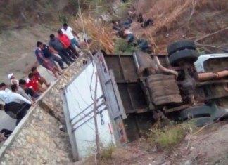 Terrible accidente carretero en Chiapas deja más de 20 muertos