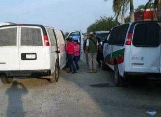 Detienen a 60 hondureños que viajaban en un autobús