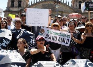 Más de 20 ciudades marchan contra AMLO