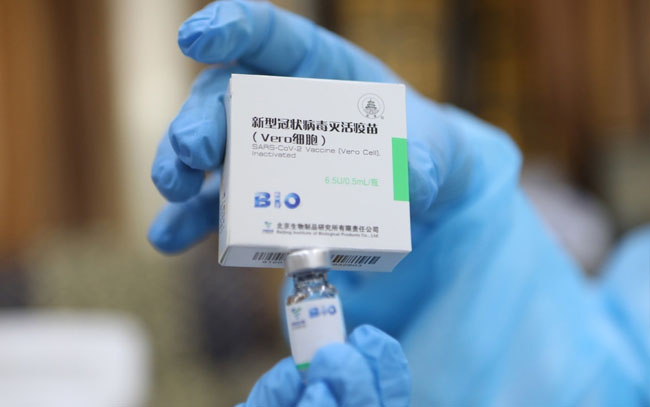 China aprueba tercera vacuna anticovid de Sinopharm para ensayos clínicos