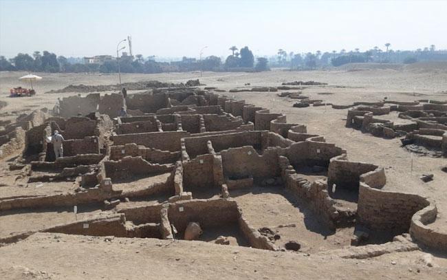 Hallan en Egipto ciudad perdida de 3 mil años de antigüedad