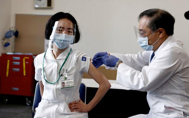 Enfermeros en Tokio se revelan contra los Juegos Olímpicos