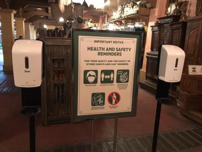 señalizacion seguridad Covid Disney