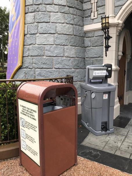 lavamanos móviles covid Disney