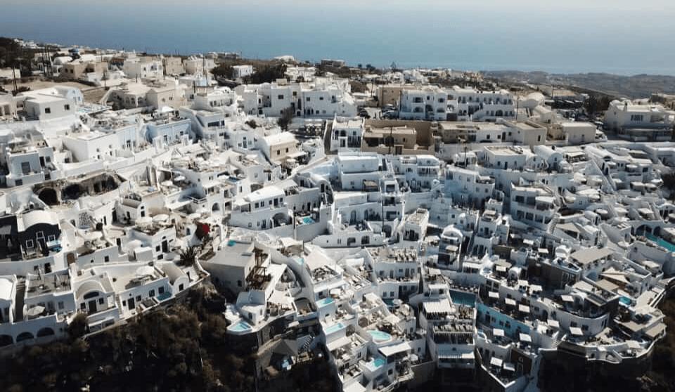Santorini Cave hotels