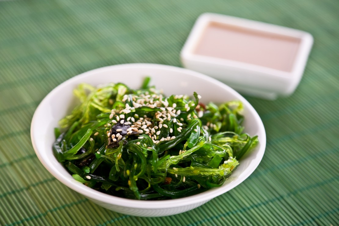A bowl of Wakame seaweed salad is a cleansing food