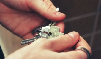 How to Get Out of a Tricky Situation After Losing Your Keys