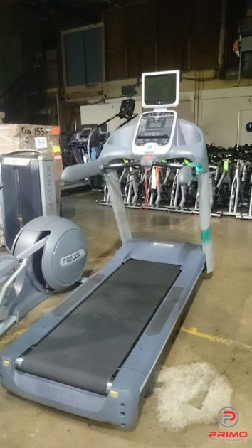 Precor 956i Experience Treadmill