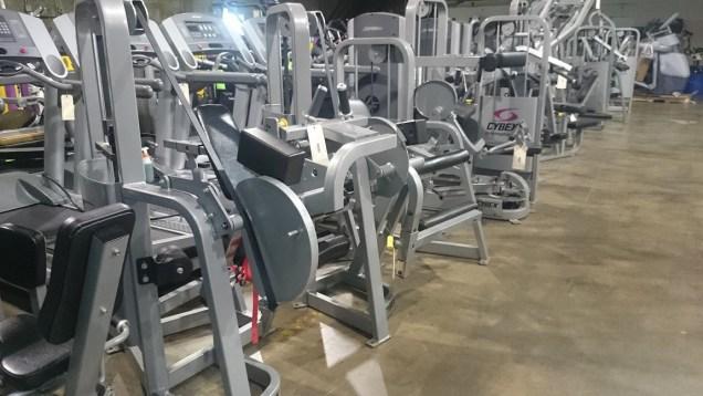 Cybex VR2 Strength Line 11