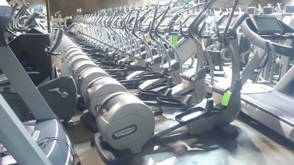 Technogym Synchro 700 Elliptical Crosstrainer 1