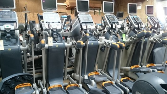 Precor AMT 100i Crosstrainer remanufactured