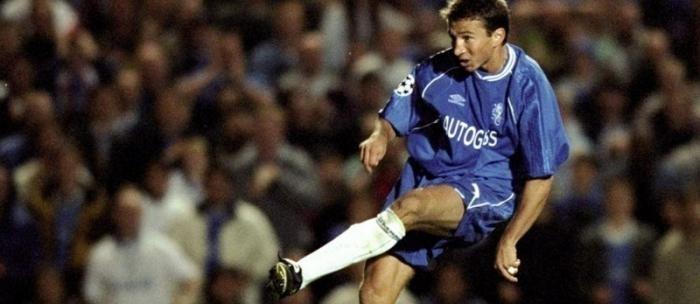 Dan Petrescu în tricoul lui Chelsea. Sursă foto: alamy.com