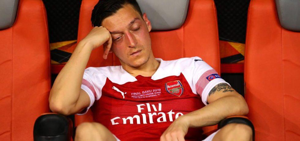 Fotbaliști plătiți regește să stea pe bancă. Sursă foto: goal.com